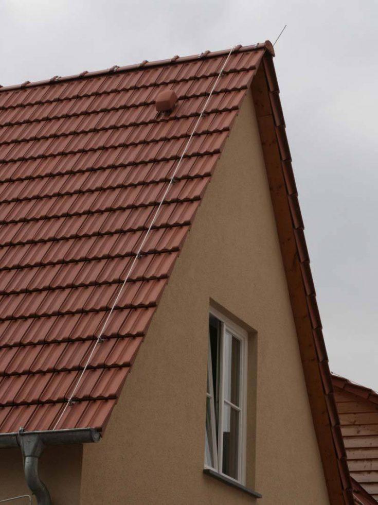 Blitzableiter Fangleitung auf Dach